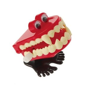 Wind Up Chattering Teeth